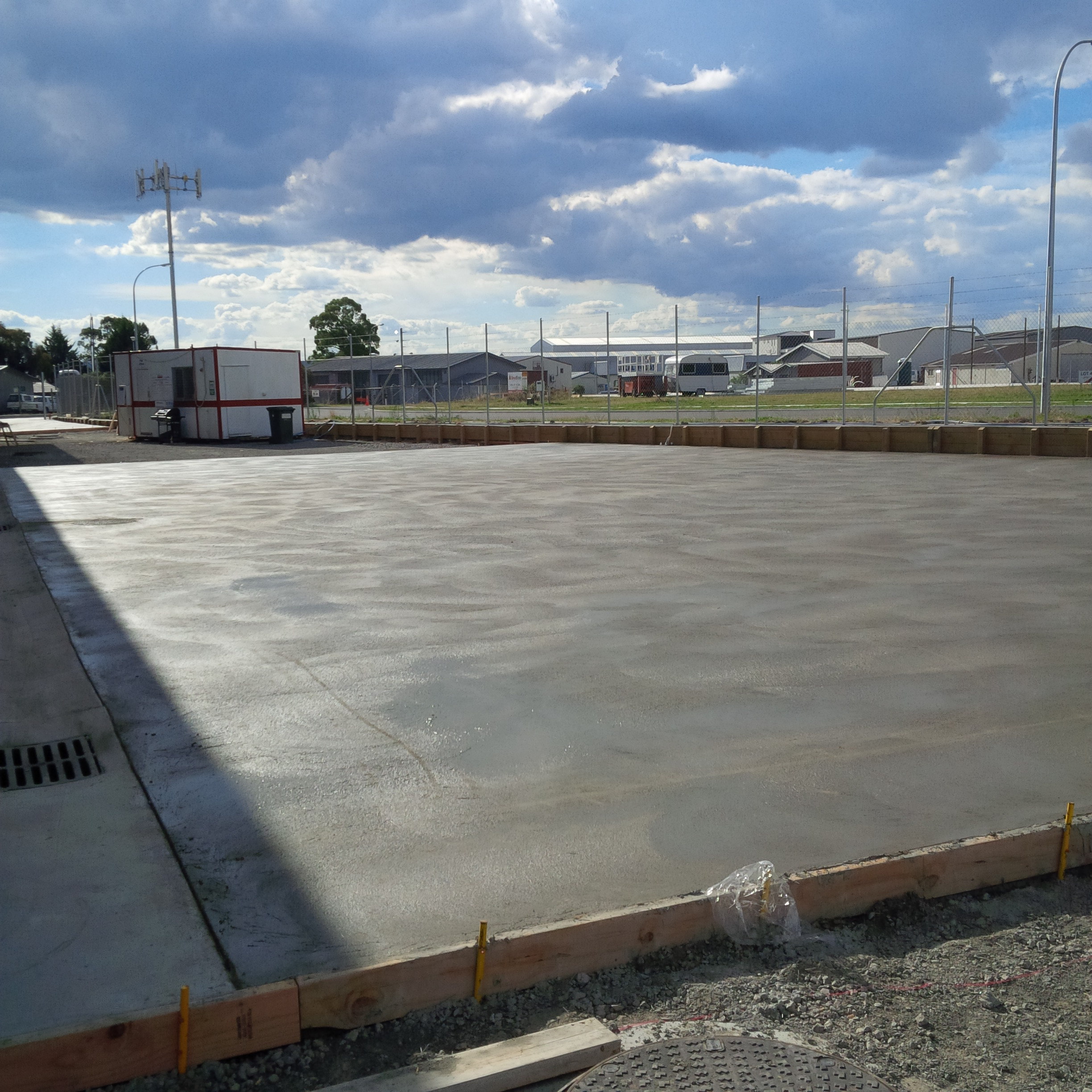 Placemakers yard uses steel hookend fibre by Inforce for concrete slab reinforcement
