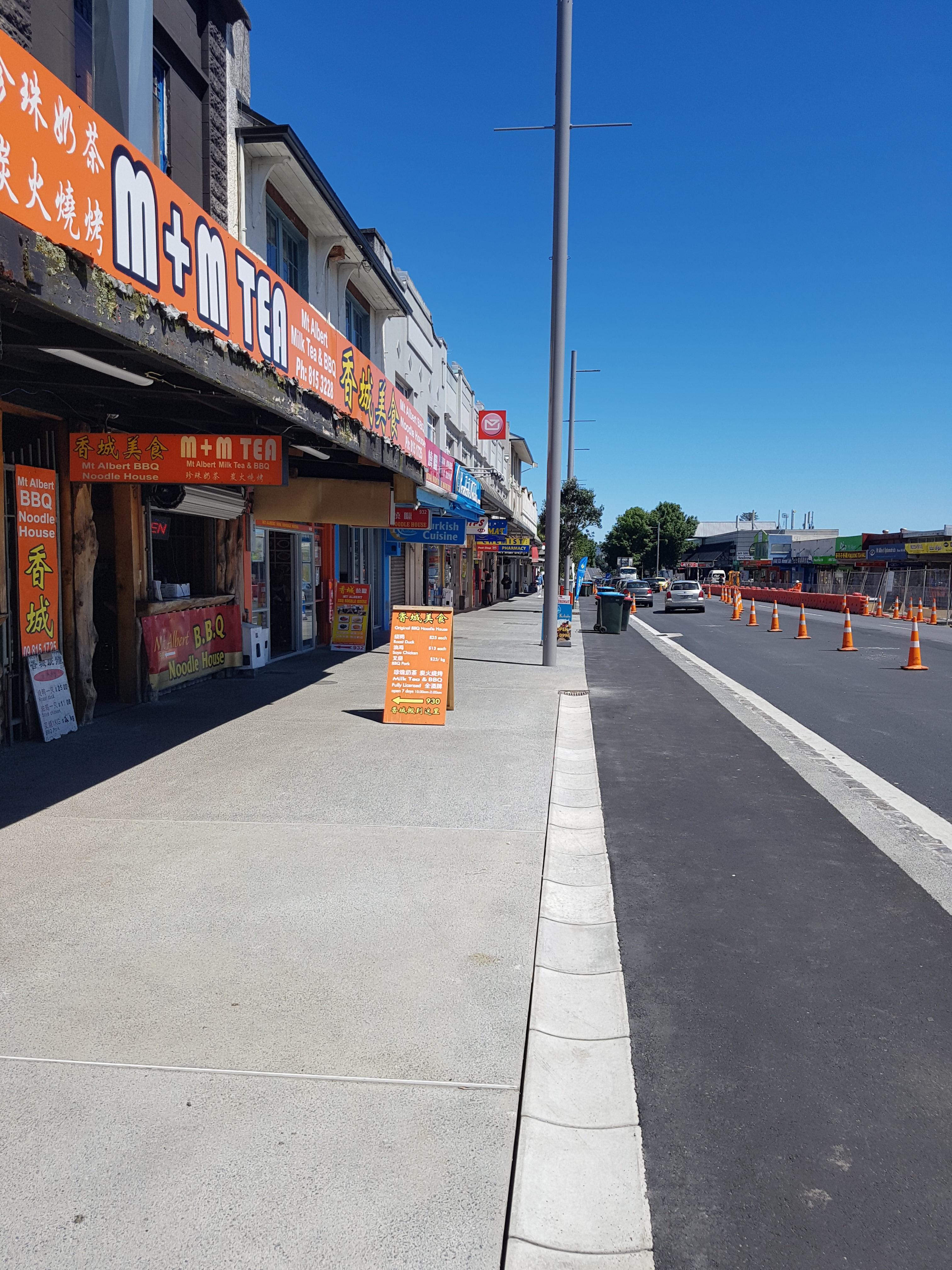Footpath reinforced with fibre concrete