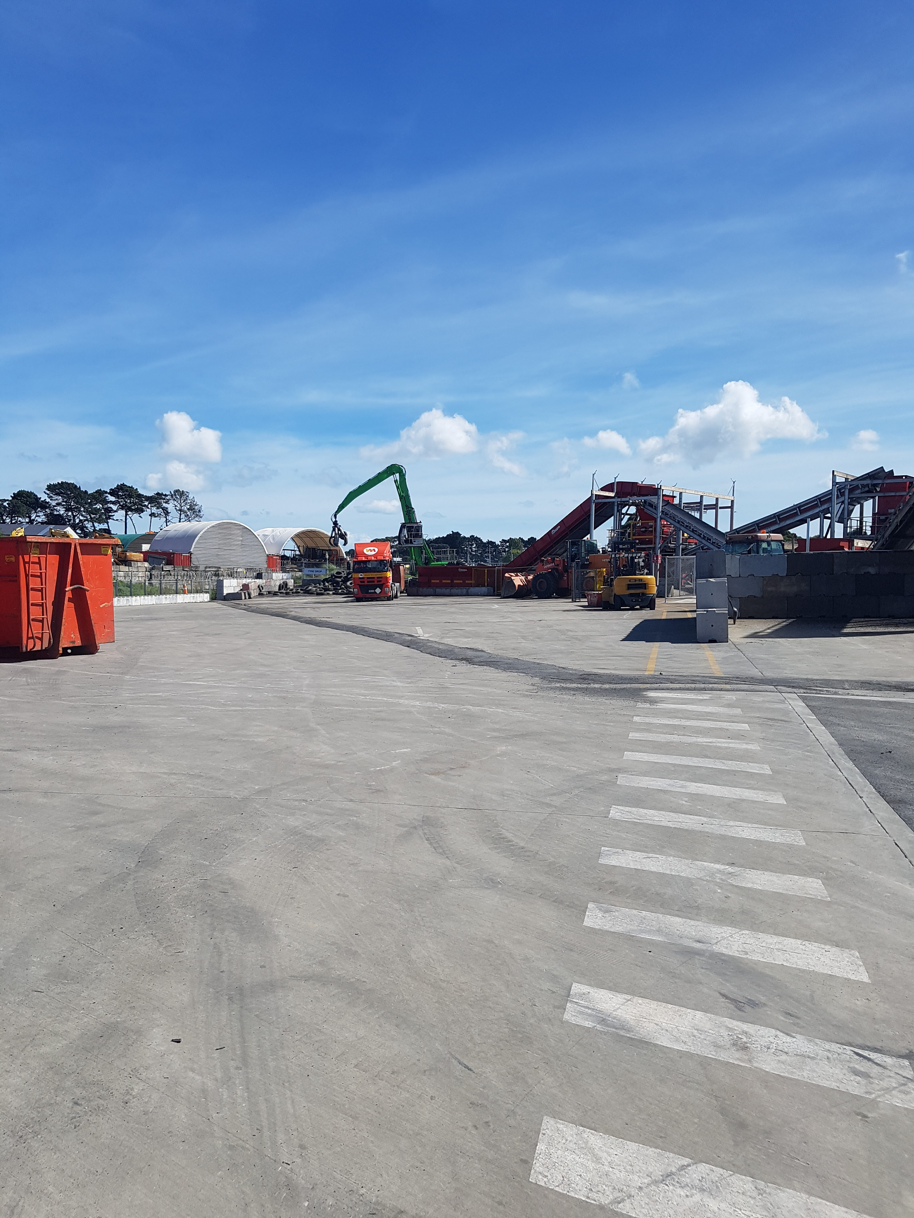 Large loading bay with steel fibre reinforcement