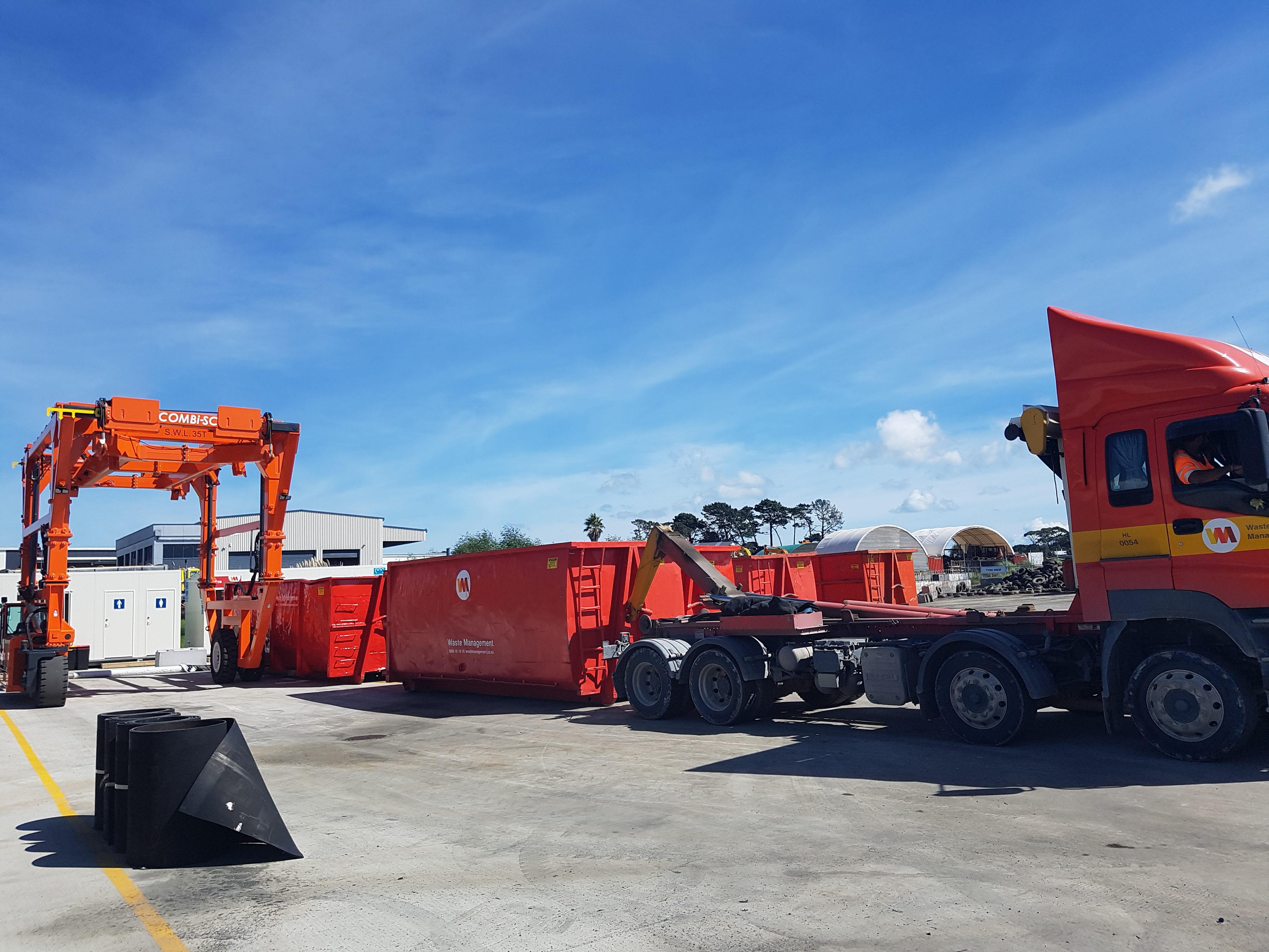 Heavy vehicles drive across the steel fibre reinforced slab by Inforce