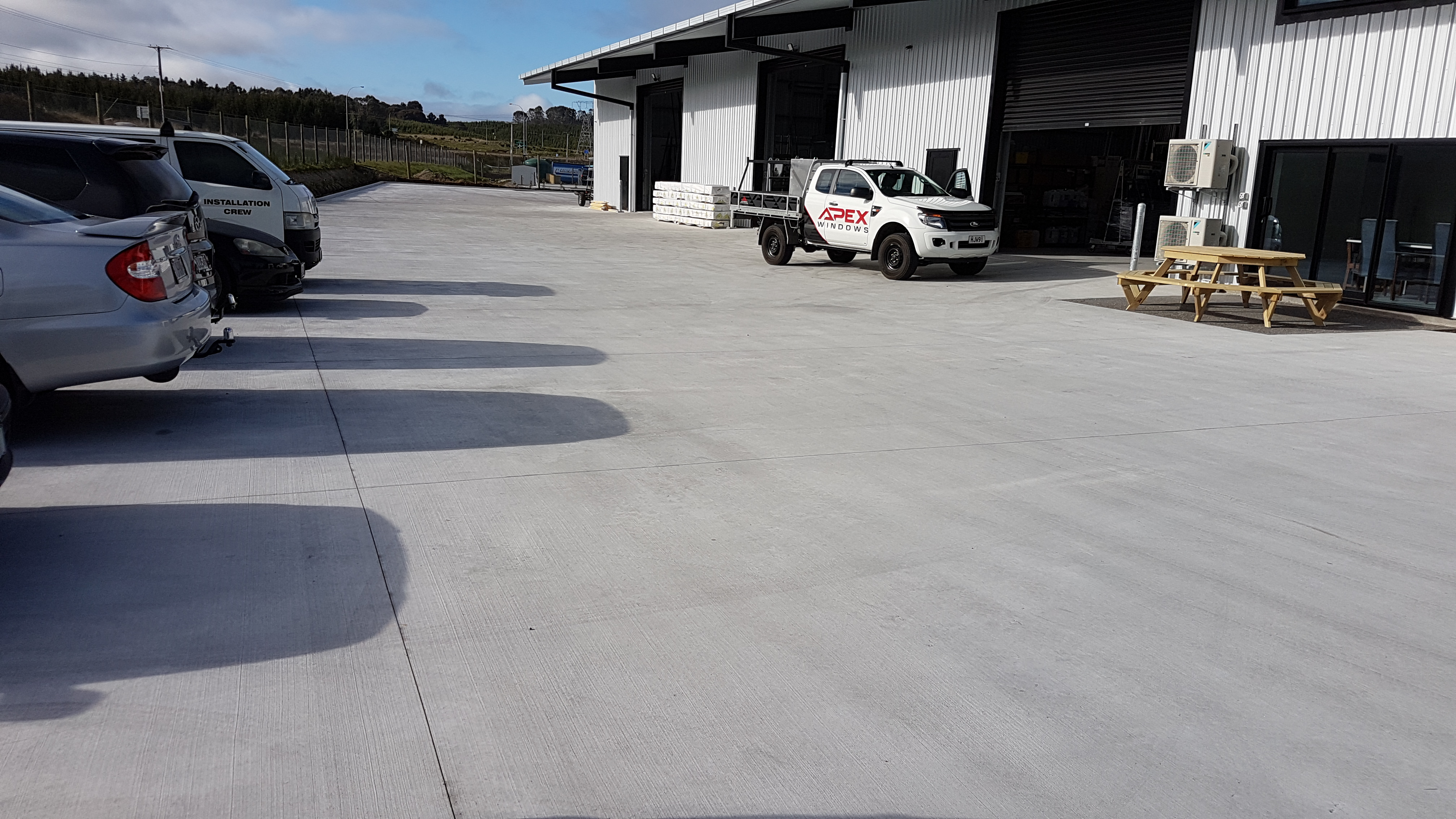 This business makes use of a large concrete fibre loading bay and access bay for its commercial building